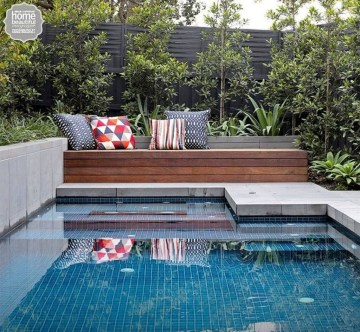 Comfy Pool Seating Ideas For Your Outdoor Decoration 17