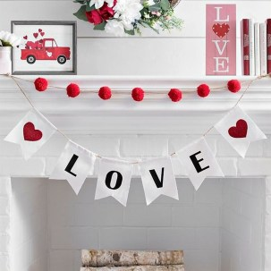 Creative DIY Valentines Day Decoration Ideas To Beautify Your Home 03
