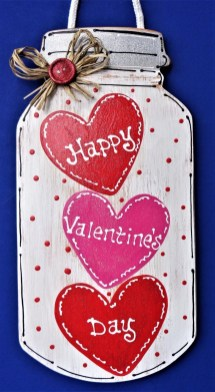 Cute Valentine Door Decorations Ideas To Spread The Seasons Greetings 07