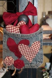 Cute Valentine Door Decorations Ideas To Spread The Seasons Greetings 20