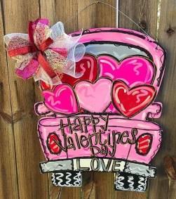 Cute Valentine Door Decorations Ideas To Spread The Seasons Greetings 29