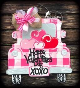 Cute Valentine Door Decorations Ideas To Spread The Seasons Greetings 30