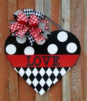 Cute Valentine Door Decorations Ideas To Spread The Seasons Greetings 35