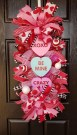 Cute Valentine Door Decorations Ideas To Spread The Seasons Greetings 43