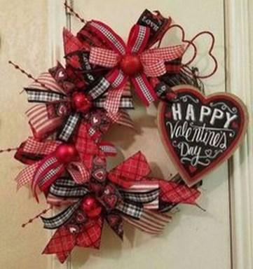 Cute Valentine Door Decorations Ideas To Spread The Seasons Greetings 44