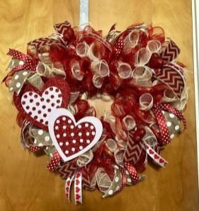 Cute Valentine Door Decorations Ideas To Spread The Seasons Greetings 46