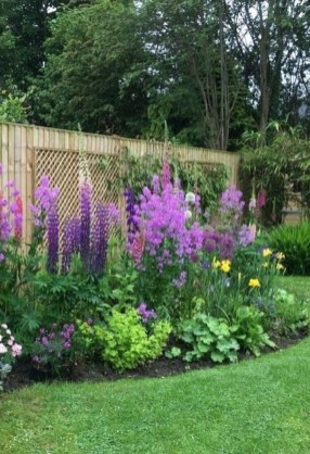Fascinating Cottage Garden Ideas To Create Cozy Private Spot 15