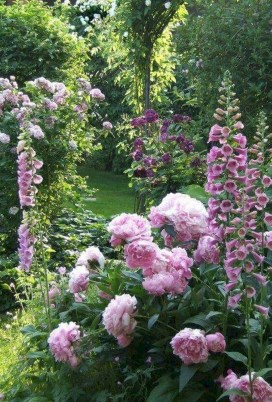 Fascinating Cottage Garden Ideas To Create Cozy Private Spot 34