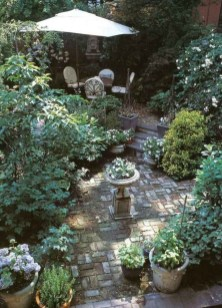 Fascinating Cottage Garden Ideas To Create Cozy Private Spot 39