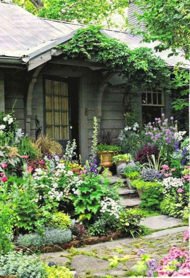 Fascinating Cottage Garden Ideas To Create Cozy Private Spot 52