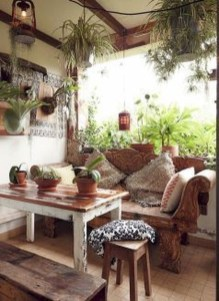 Gorgeous Bohemian Farmhouse Decorating Ideas For Your Living Room 30