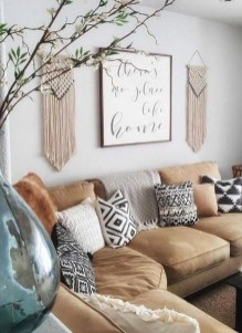 Gorgeous Bohemian Farmhouse Decorating Ideas For Your Living Room 32