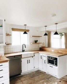Gorgeous Small Kitchen Design Ideas For Your Small Home 34