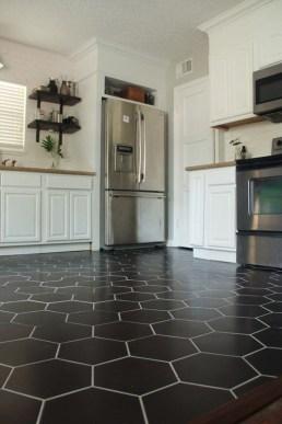 Impressive Black Floor Tiles Design Ideas For Modern Bathroom 44