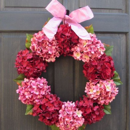 Lovely Valentines Day Home Decor To Win Over The Hearts 32