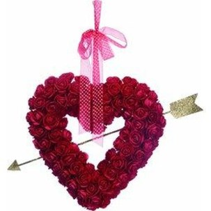 Lovely Valentines Day Home Decor To Win Over The Hearts 35