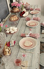 Magnificent Dining Room Decorating Ideas For Valentine's Day 01