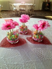 Most Inspiring Valentine's Day Simple Table Decoration Ideas 11