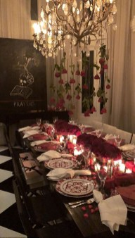 Most Inspiring Valentine's Day Simple Table Decoration Ideas 31
