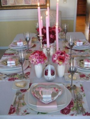 Most Inspiring Valentine's Day Simple Table Decoration Ideas 43