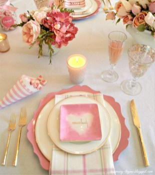 Perfect Valentine's Day Romantic Dining Table Decor Ideas For Two People 07