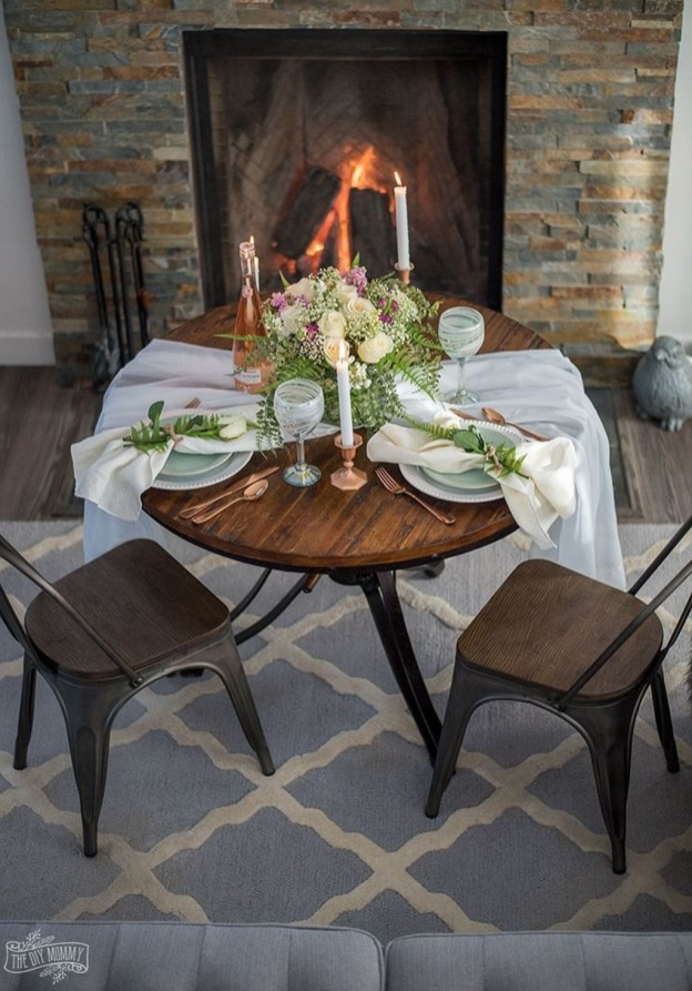 Perfect Valentine's Day Romantic Dining Table Decor Ideas For Two People 32
