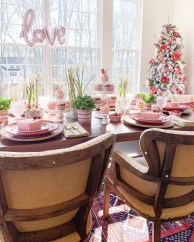 Perfect Valentine's Day Romantic Dining Table Decor Ideas For Two People 36