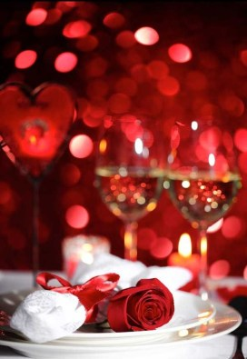Perfect Valentine's Day Romantic Dining Table Decor Ideas For Two People 41
