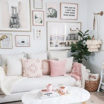 Romantic Valentine Decoration Ideas For Your Living Room 01