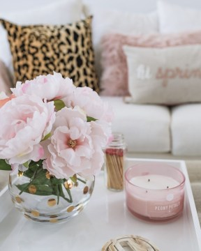 Romantic Valentine Decoration Ideas For Your Living Room 02