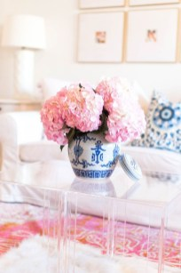 Romantic Valentine Decoration Ideas For Your Living Room 08