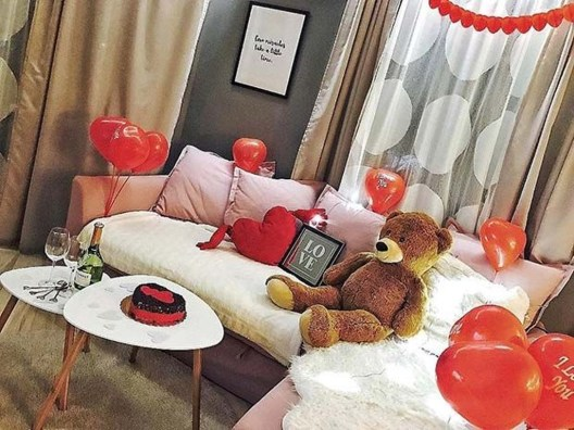 Romantic Valentine Decoration Ideas For Your Living Room 24