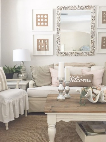 Romantic Valentine Decoration Ideas For Your Living Room 33