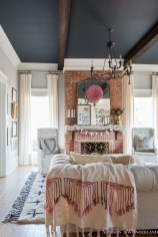 Romantic Valentine Decoration Ideas For Your Living Room 43