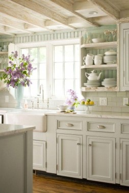 Rustic Farmhouse Kitchen Ideas To Get Traditional Accent 15