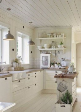 Rustic Farmhouse Kitchen Ideas To Get Traditional Accent 24