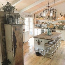 Rustic Farmhouse Kitchen Ideas To Get Traditional Accent 40
