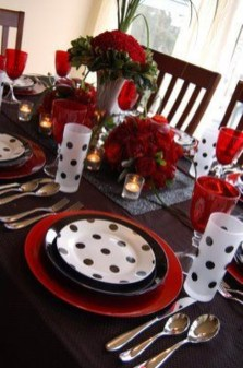 Unordinary Valentine Outdoor Decorations Table Settings For Couple 03
