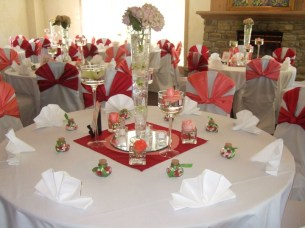 Unordinary Valentine Outdoor Decorations Table Settings For Couple 19