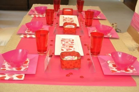 Unordinary Valentine Outdoor Decorations Table Settings For Couple 25