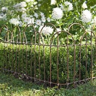 Awesome Farmhouse Garden Fence For Winter To Spring 01