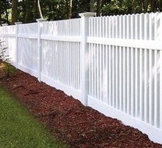 Awesome Farmhouse Garden Fence For Winter To Spring 05