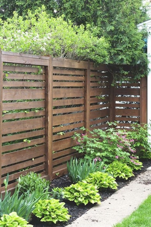 Awesome Farmhouse Garden Fence For Winter To Spring 18