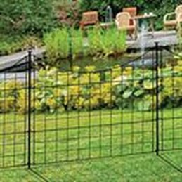 Awesome Farmhouse Garden Fence For Winter To Spring 19