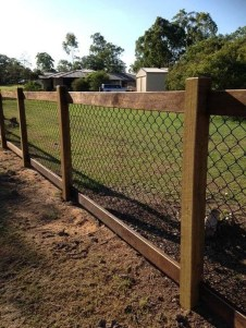 Awesome Farmhouse Garden Fence For Winter To Spring 25