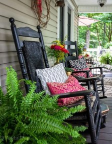 Cute Spring Porch Pillow Decoration Ideas That Will Inspire You 06
