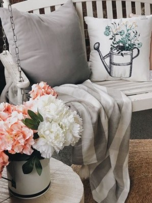 Cute Spring Porch Pillow Decoration Ideas That Will Inspire You 11
