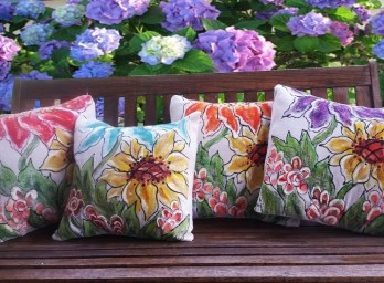 Cute Spring Porch Pillow Decoration Ideas That Will Inspire You 18