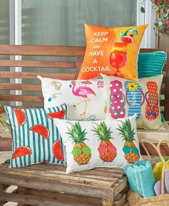 Cute Spring Porch Pillow Decoration Ideas That Will Inspire You 25
