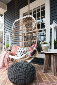 Cute Spring Porch Pillow Decoration Ideas That Will Inspire You 29